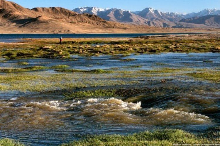 Tarakul Lake in Tajikistan11