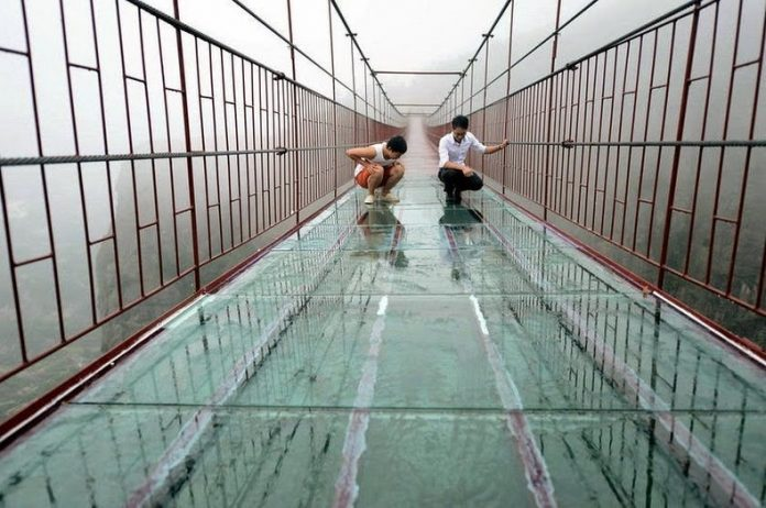 Scary Glass Bottom Bridge is The Latest Attraction in China