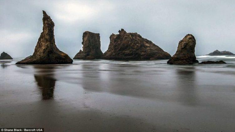 A jagged coastline on Bandon Beach on the Southern Oregon Coast
