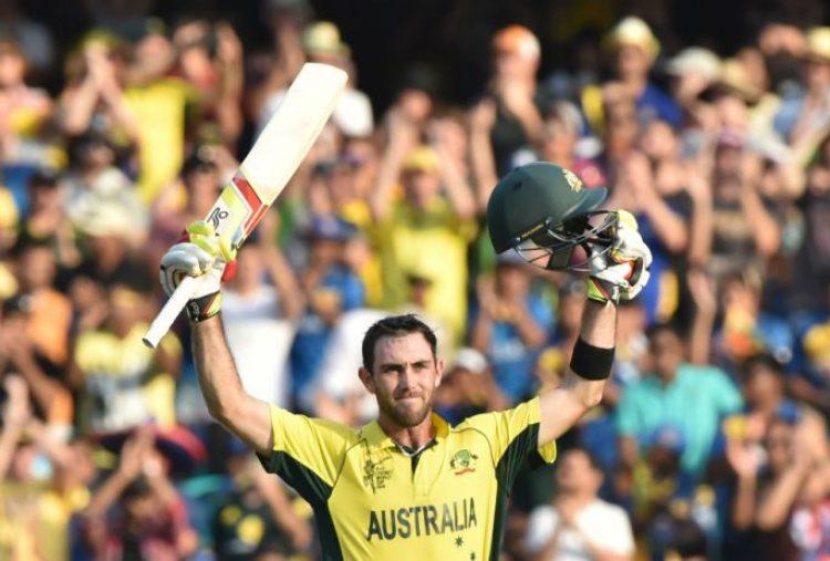 Glenn Maxwell acknowledges the crowd after scoring a ton, Australia v Sri Lanka, World Cup 2015, Group A, Sydney, March 8, 2015