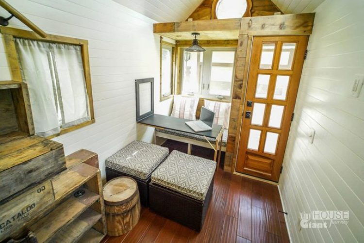 tiny-house-giant-journey-mobile-home-jenna-guillame-12