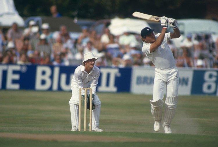 Martin Crowe bats against Somerset, Taunton, May 9, 1994
