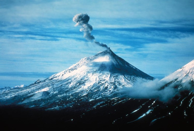 Steam and volcanic gas rising from the summit crater of Pavlof Volcano in 2004