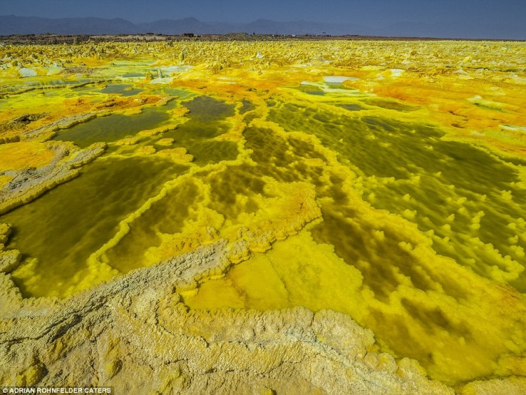 Visitors to the Dallol Volcano could be forgiven for thinking that they're on an alien planet