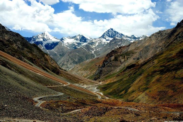 The KKH total length is 806 KM, starts from Hassanabdal, of Pakistan section, meets Indus River and continues along the river till Jaglot, where Gilgit River meets the Indus River.