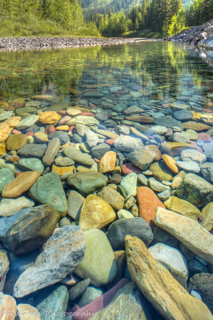 Furthermore, the one of most prominent feature of some lakes is the existence of a variety of colored rocks and pebbles just beneath the water surface and on the shores.