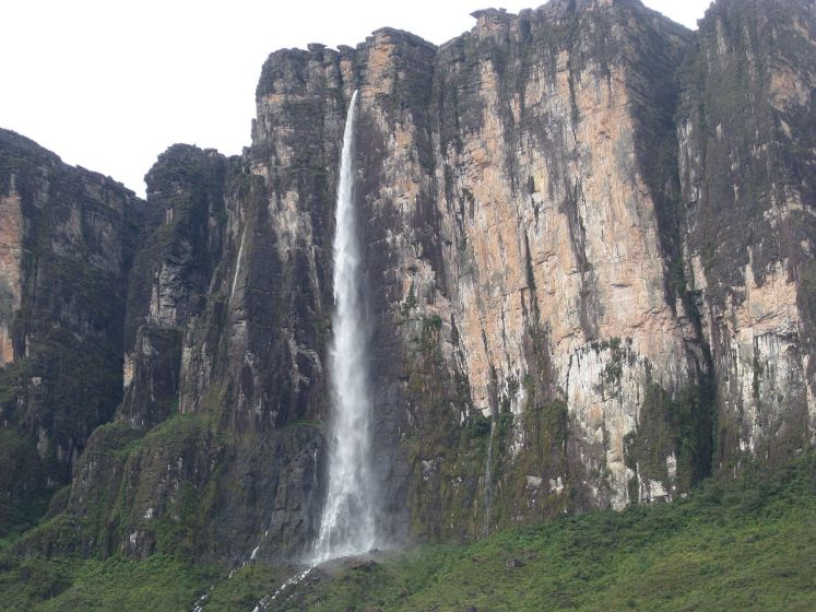 Cuquenan Falls is also called, Salto Kukenan, Kukenaam, is the second tallest major waterfall in Venezuela after Angel Falls.
