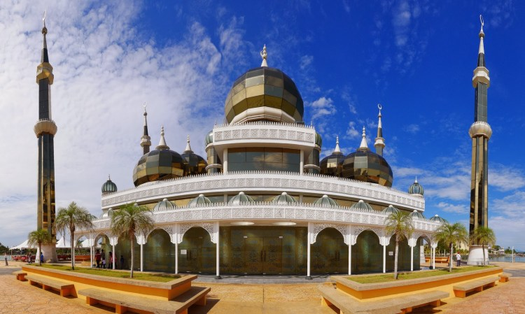The Islam Heritage Park also features replicas of many of the world's most famous mosques from around the world.