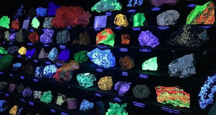 Moreover, Sterling Hill is the treasure chest of minerals; more than 350 different mineral species have been found here a world record for such a small area.