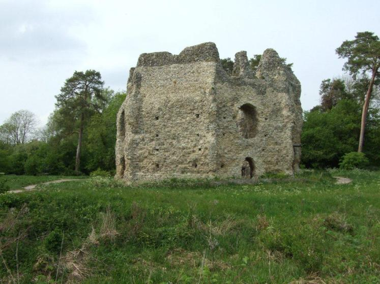 Whilst the Castle is well laid out and has good historical information boards.