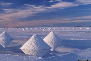 Bolivia, Salar de Uyuni, salt harvesting