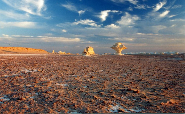 The White desert is located about 45 km north of Farafra, Egypt.