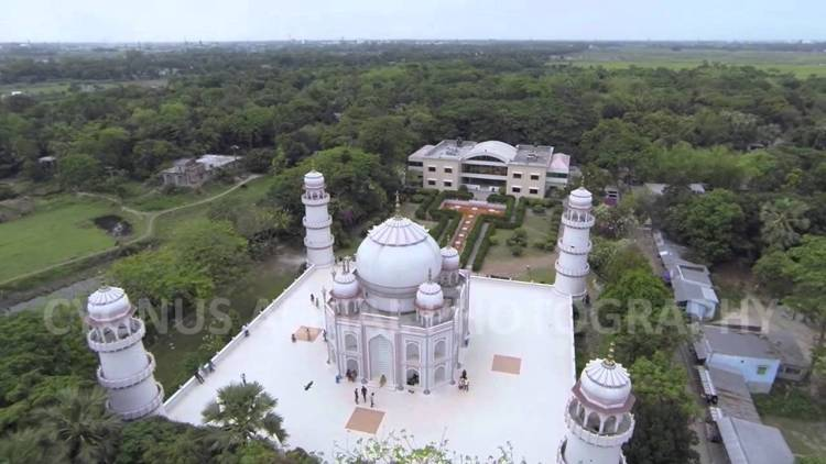 The Replica of Taj Mahal caused bit complaints by some Indian officials. They believe copying Taj Mahal is unethical, and detract visitor from original one.