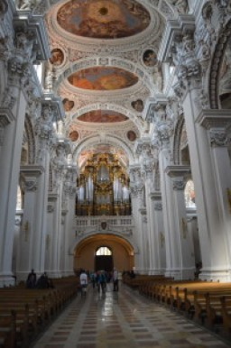 Writer's Holiday: St Stephen's Cathedral, Passau