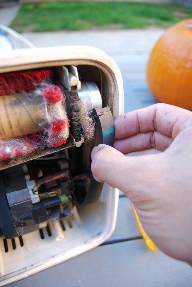 oreck-vacuum-repair4.JPG
