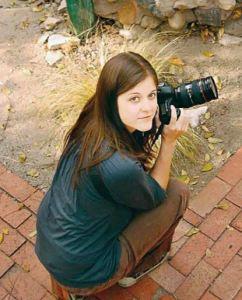 Elaine-Huguenin-with-camera