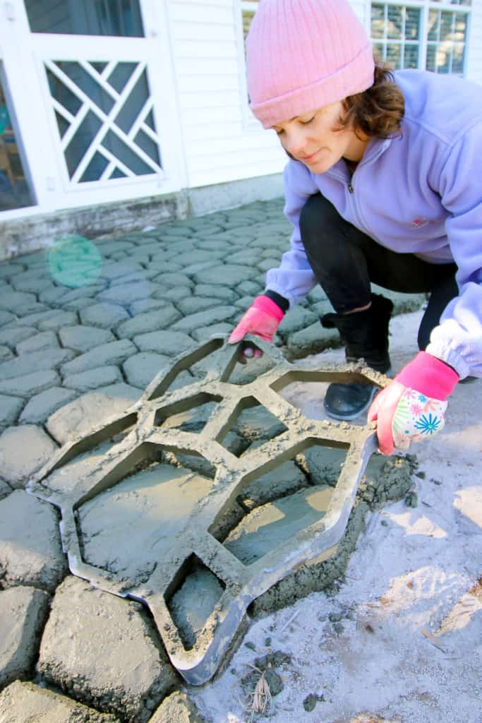 How To Make A Quikrete Walkmaker Patio Charleston Crafted