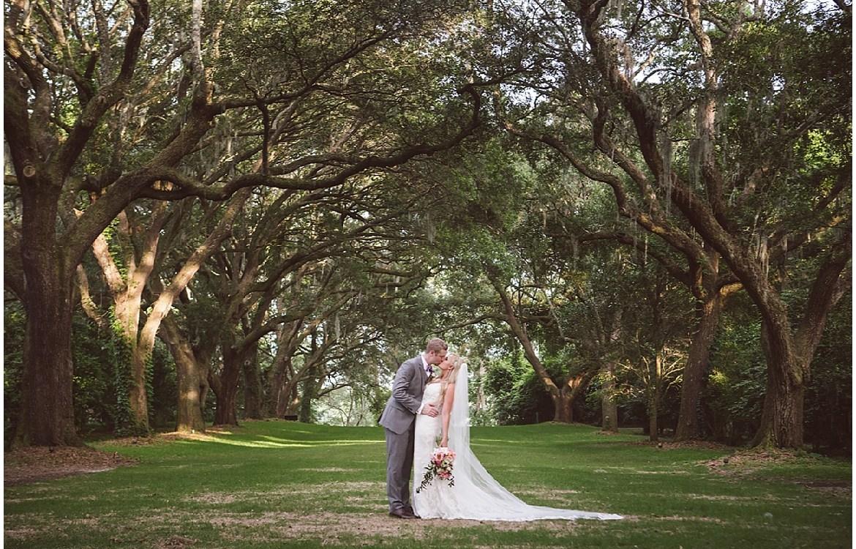 Charleston-Wedding-Guide_0471.jpg