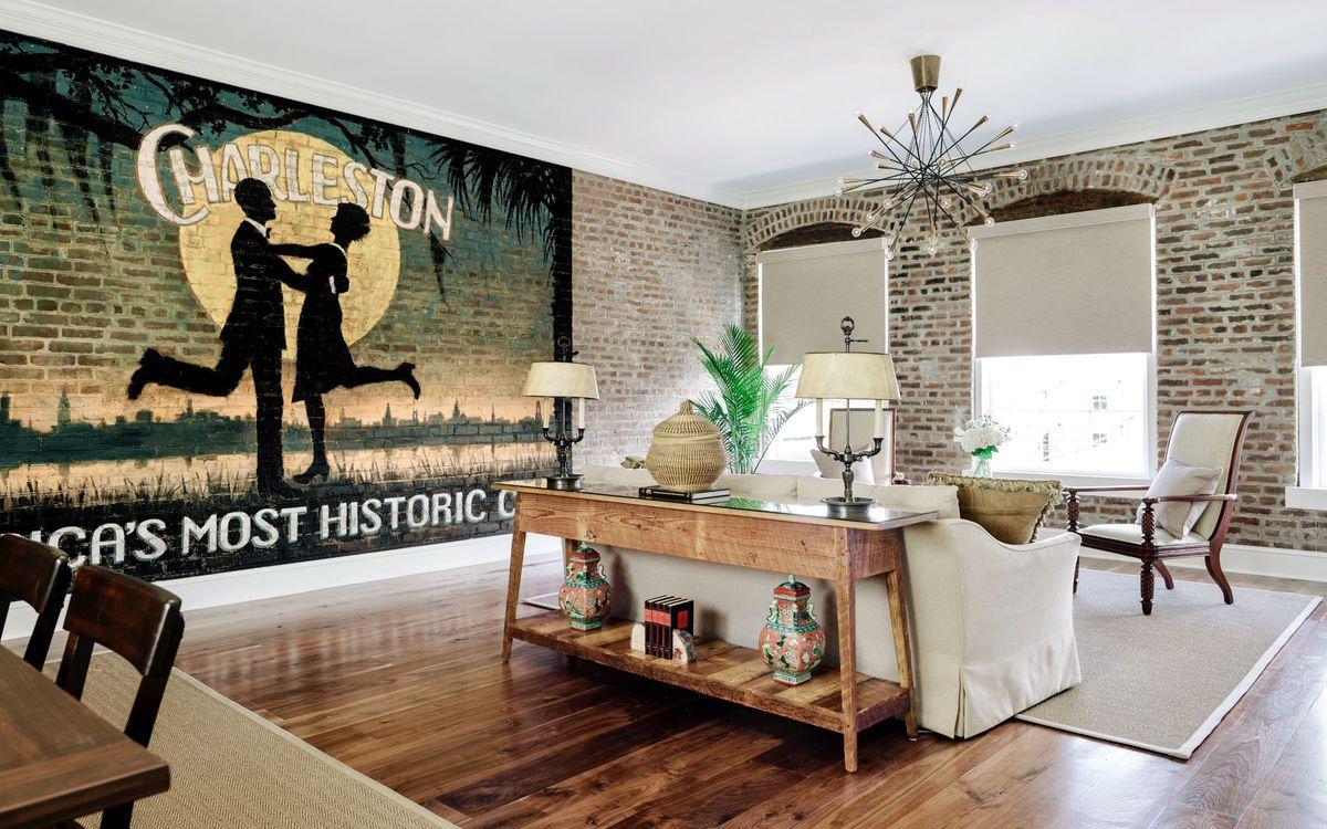 Planters_Inn_St._Philip_Suite_Charleston,_SC