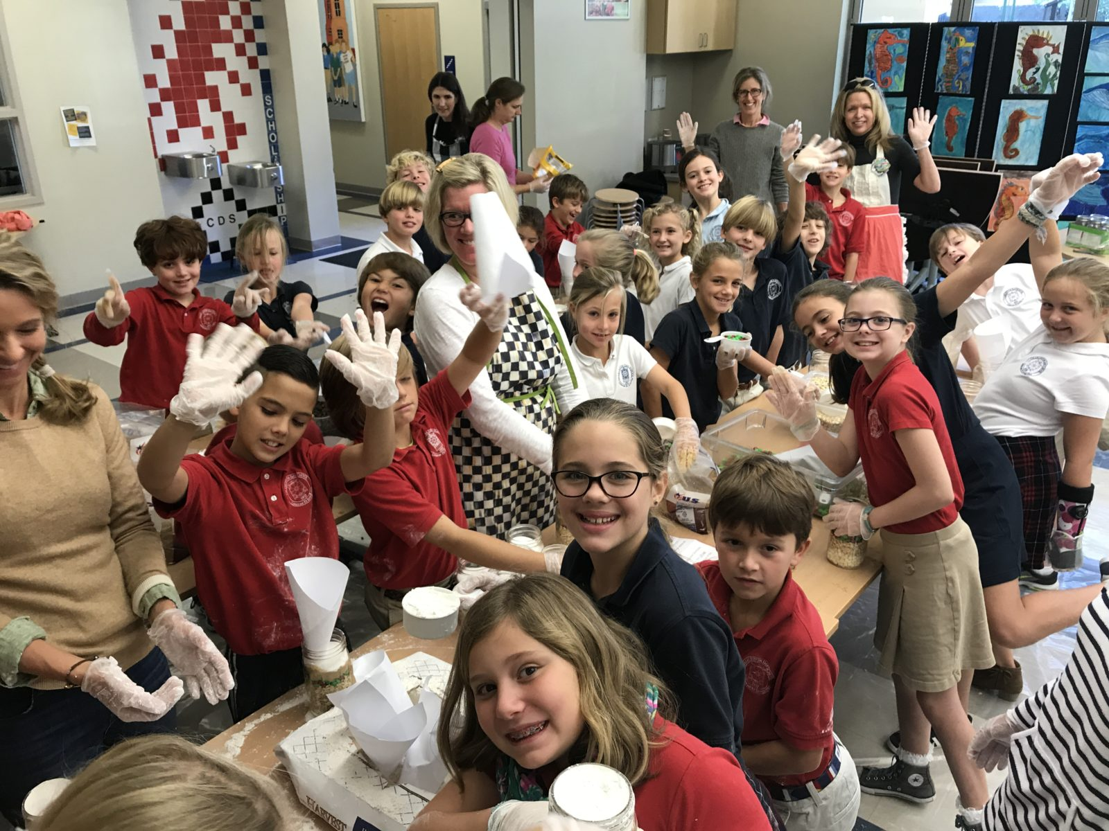 4th Grade Hosts Holiday Market For Hurricane Relief
