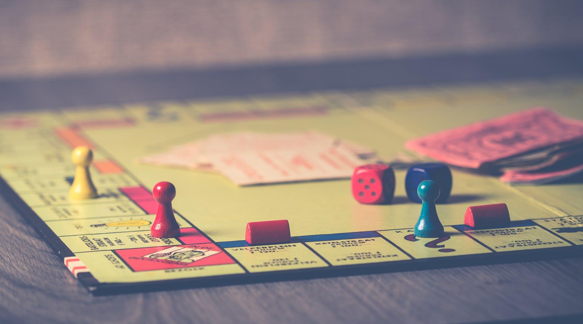 5 giochi da tavolo per amanti dei libri