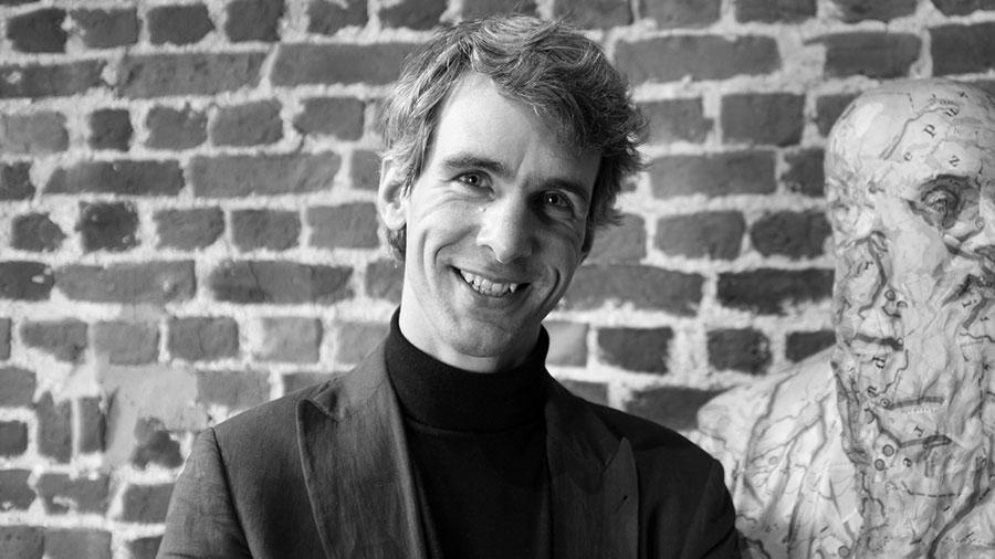 Jonathan Holslag zet zich als gerenommeerde onderzoeker in voor de samenleving