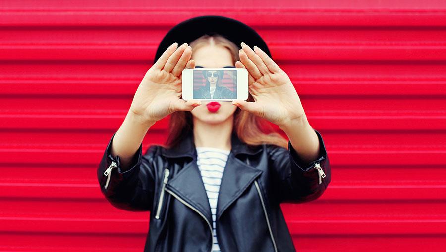 So glad I opened Instagram today: geld verdienen met je selfie