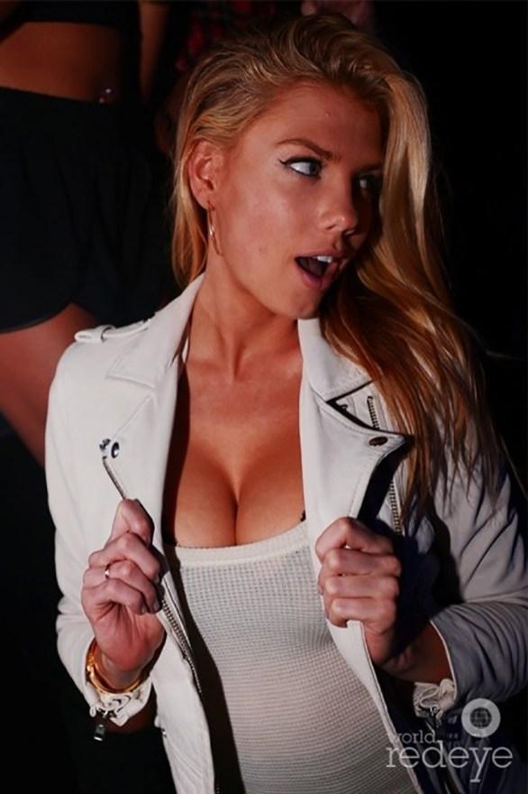Charlotte McKinney - Clubbing - 08