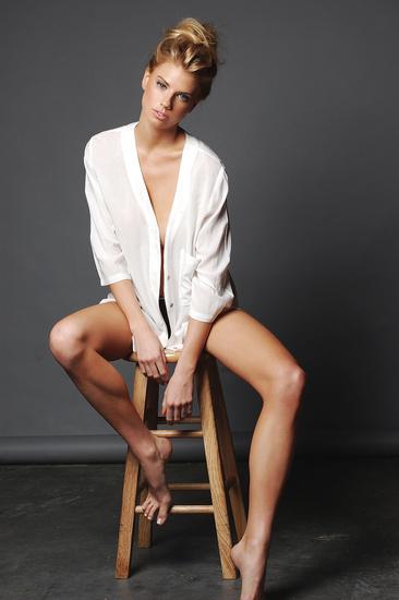 Charlotte McKinney - Kin Cordell - 02