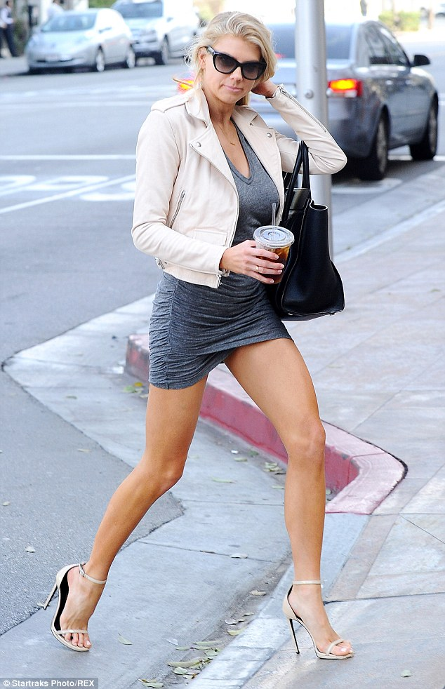 Charlotte McKinney - In the street - 10