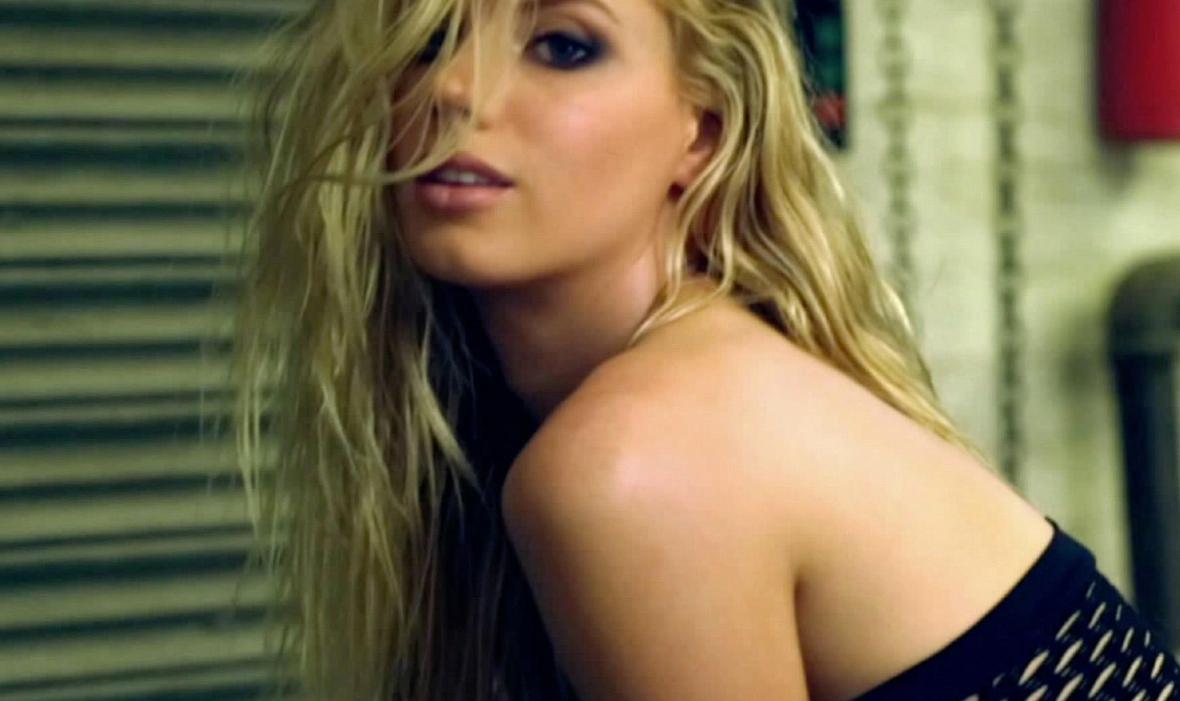 Charlotte McKinney - Nicholas Routzen - 10