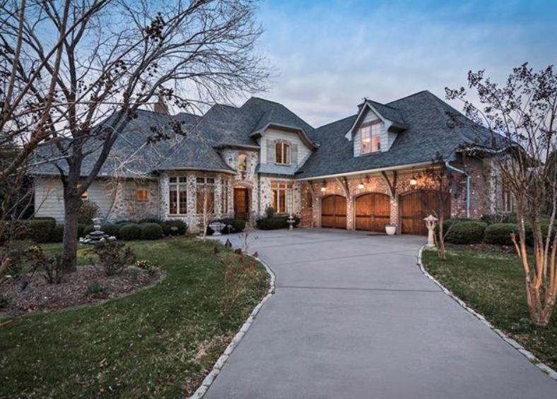 House in Emerald Lake in Matthews NC