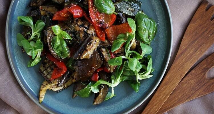 Grillet grøntsagssalat