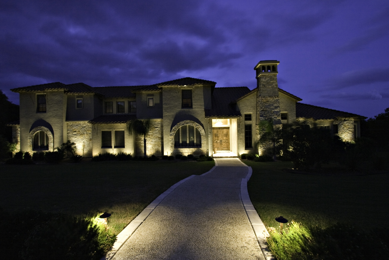 outdoor lighting hacks to set the mood