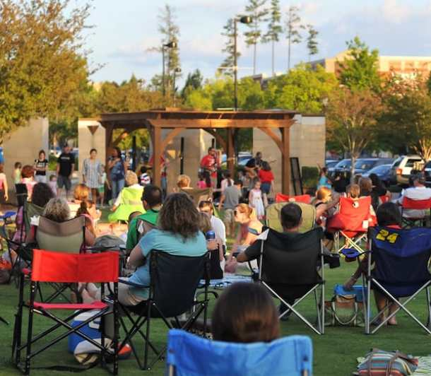 Music and Movies on the Green at Promenade on Providence