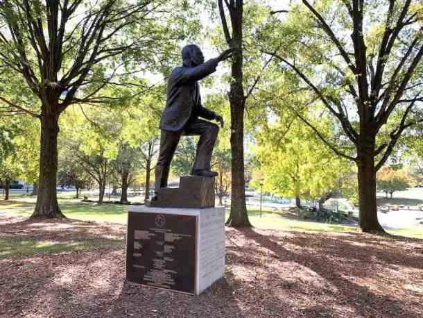 martin luther king statue in marshall park charlotte