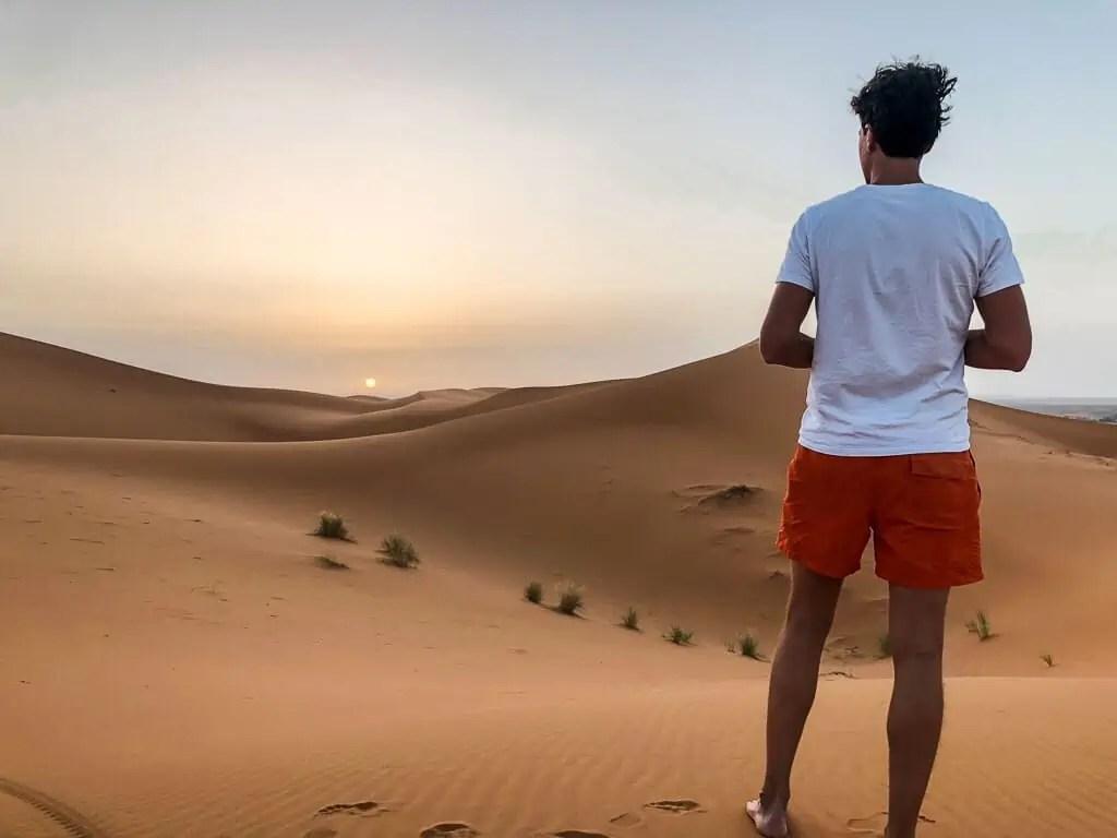Lever du soleil du désert du Maroc