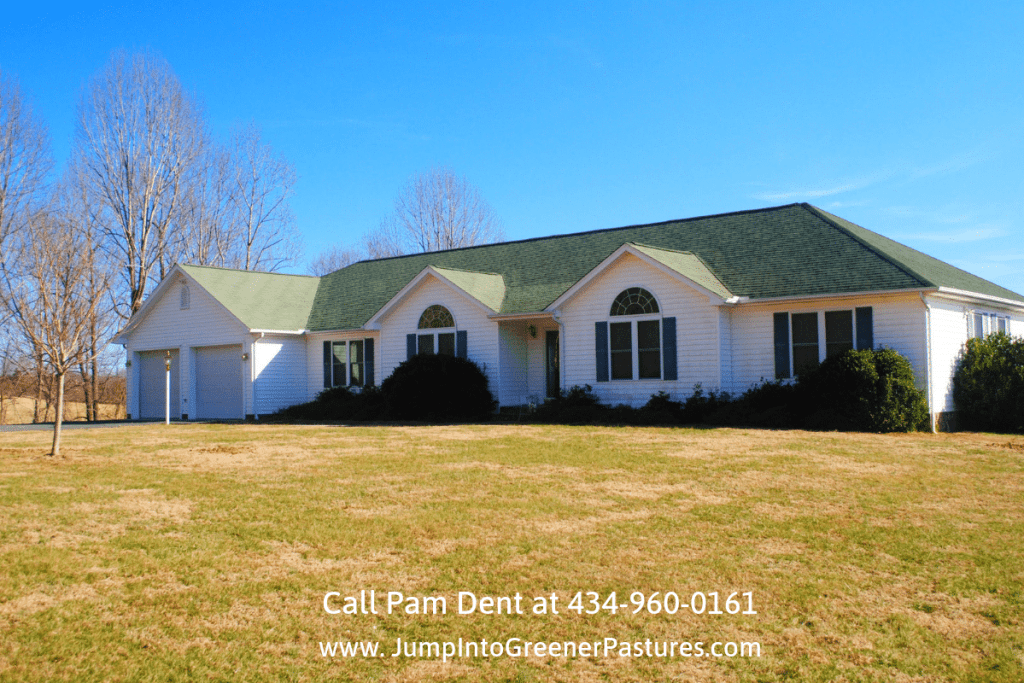 . Real Estate Properties for Sale in Central Virginia - Enjoy the best of country living in this Central Virginia equestrian property for sale.