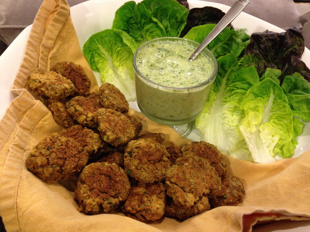 Fresh Falafel With Tahini Sauce