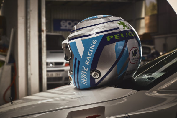 decoración de casco de rally