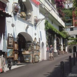 Le vie dello shopping a Positano