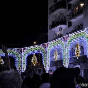 Piazza del Carmine addobbata a festa per i rito dedicato alla Madonna del Carmine