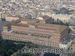 palazzo reale di napoli da alto