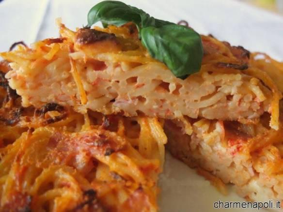 Le ricette della tradizionale cucina napoletana la frittata di maccheroni - Ricette cucina napoletana ...
