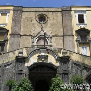 Facciata della Chiesa di S.Giovanni a Carbonara