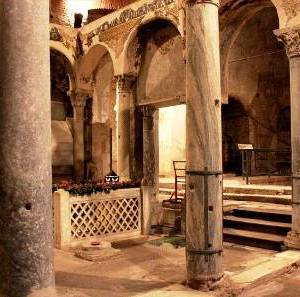 Cimitile, l'interno delle basiliche paleocristiane