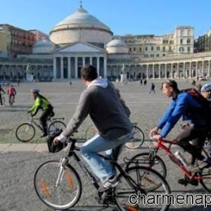 In bici a Piazza Plebiscito