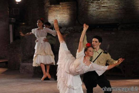 """Un momento della """"Carmen"""" con le coreografie di Fredy Franzutti e interpretata dalla compagnia """"Balletto del Sud"""" nel Teatro Grande di Pompei"""