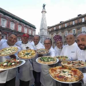 Presentate a Napoli le 8 pizze per l'Estate 2015