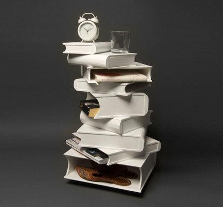 pile of books von Josefin Hellström-Olsson